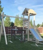 Детская игровая площадка для мальчика